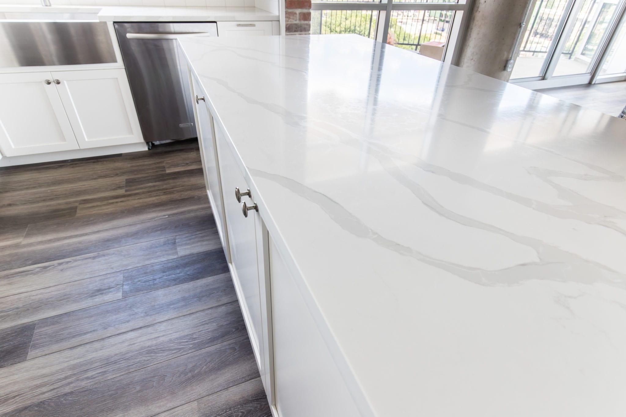 MSI-Surfaces Q Quartz Dallas-Condo-Kitchen-Countertop-